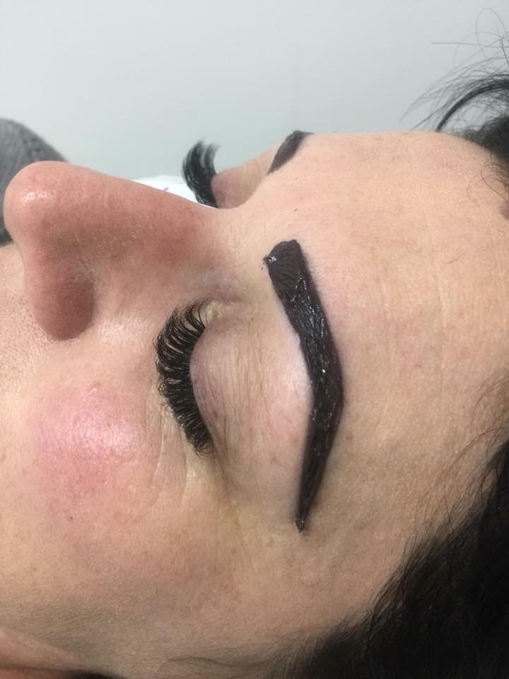 eyebrow and lash tint